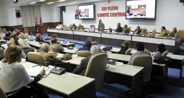 Evalúan documentos a debatir en VII Congreso del PCC