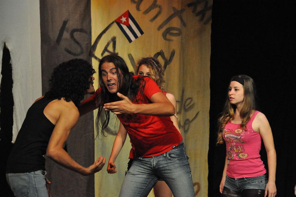 Celebran Día del Teatro Cubano, en Granma
