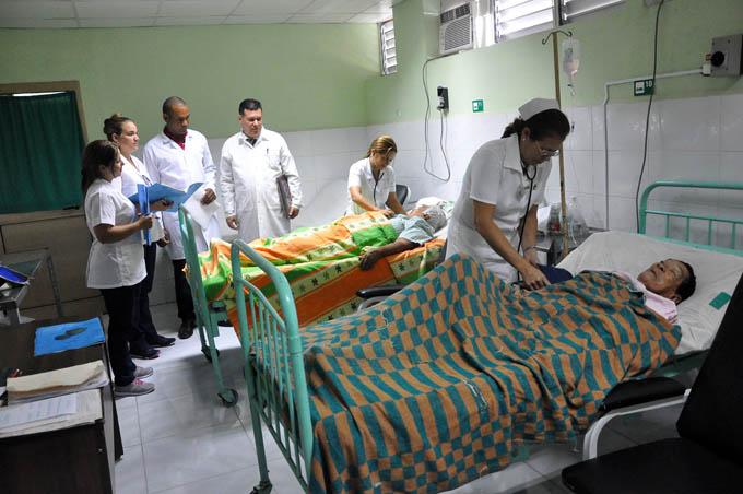 La sala de ICTUS del hospital provincial Carlos Manuel de Céspedes, tiene ahora mayor confort luego de ser remodelada y ganar en amplitud.Foto Rafael Martínez Arias