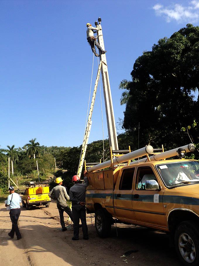Trabajadores eléctricos, Cuba
