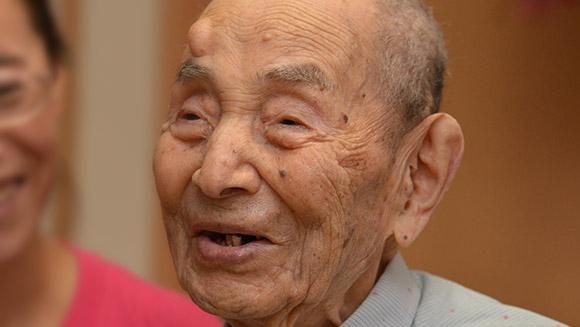 Fallece a los 112 años el hombre más longevo del mundo