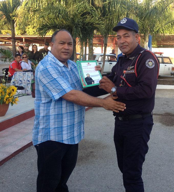 Festejan en Granma aniversario 57 de la Policía Nacional Revolucionaria