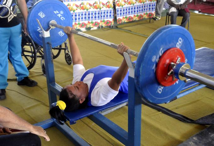 Inicio dorado de Granma en nacional de pesas para discapacitados