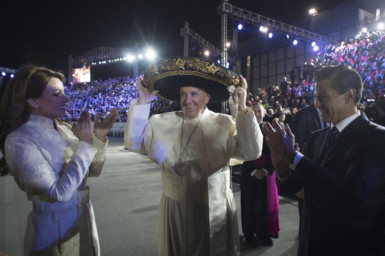 Peña Nieto recibe al papa Francisco en el Palacio Nacional