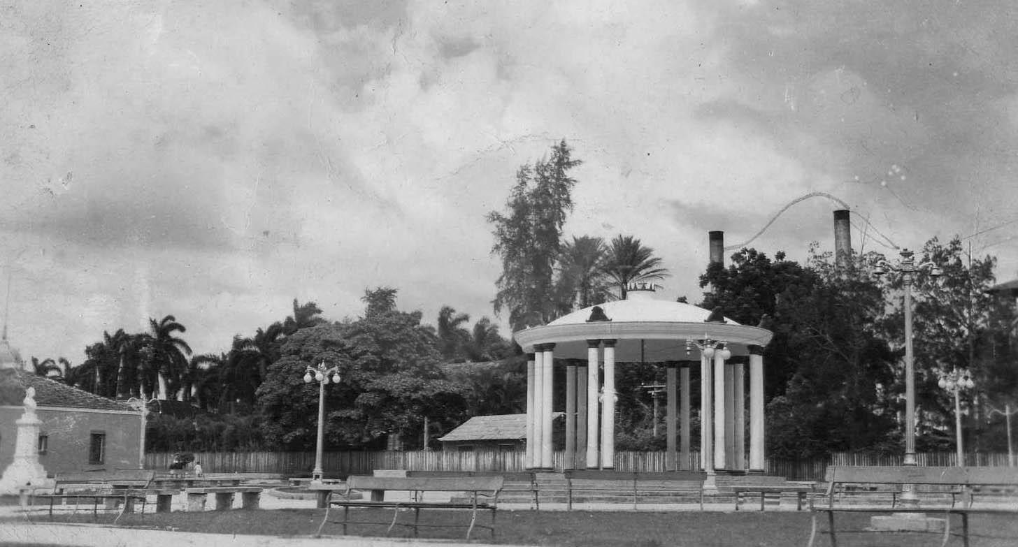 Rejuvenecen emblemático parque de Niquero