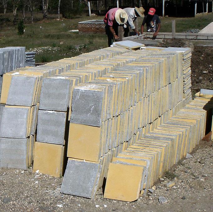 Evalúan en Granma programa de producción y venta de materiales de construcción