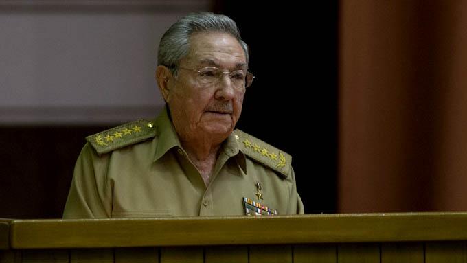Llama Raúl a evitar entrada y propagación del Zika en Cuba