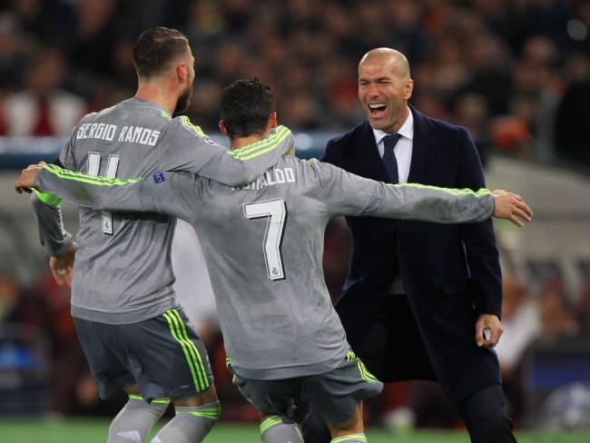 Ramos y Cristiano celebran el primer gol del Madrid en Roma. FOTO/ Getty Images