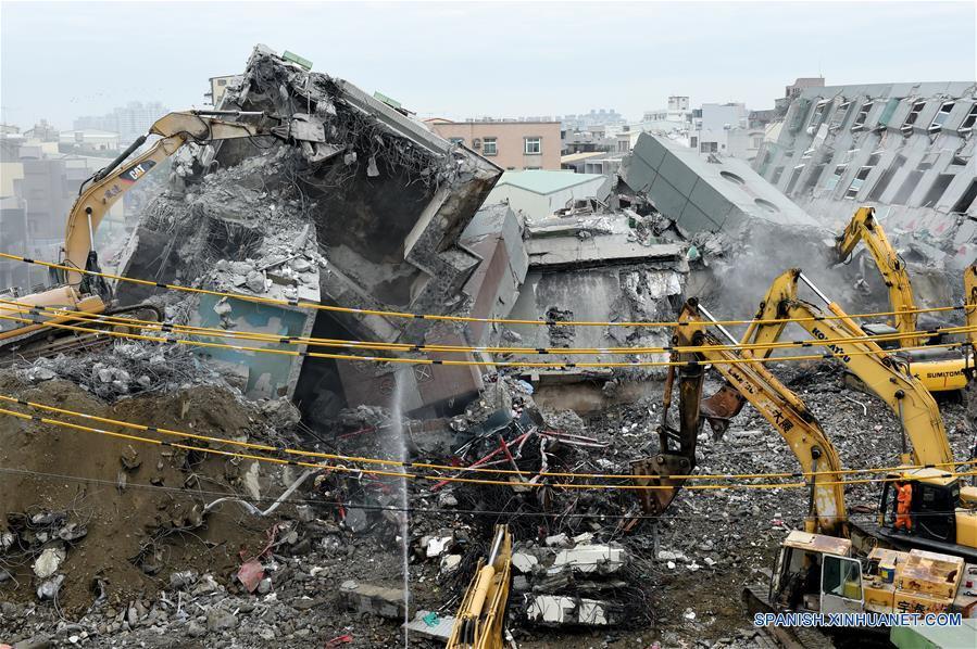 Suman 67 muertos y 57 desaparecidos seis días después de sismo en Taiwan