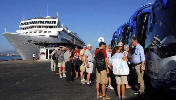 Récord: Más de 400 mil turistas llegaron a Cuba en enero de 2016