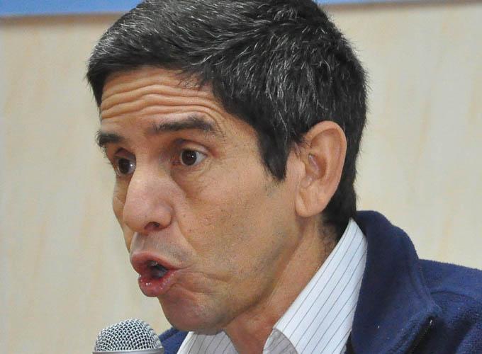 Llamó Viceministro cubano de Energía y Minas a aumentar el control del combustible