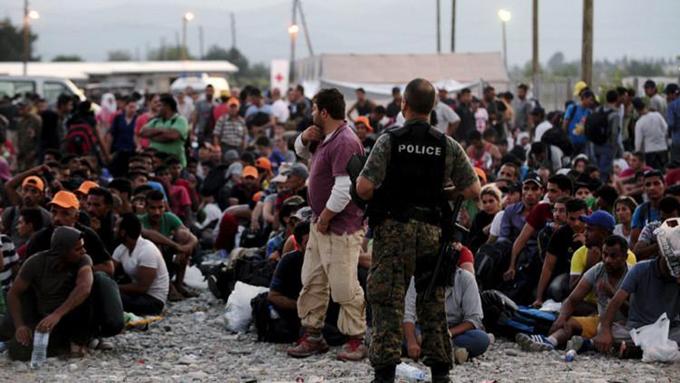 Gran mayoría de migrantes huye de la guerra, afirma Acnur