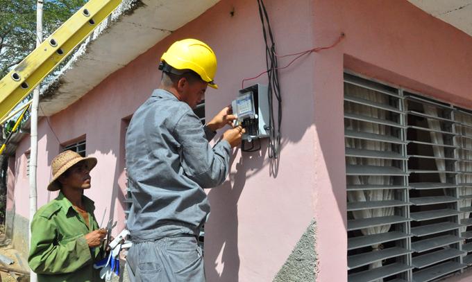 Mantienen en Granma acciones para disminuir interrupciones eléctricas