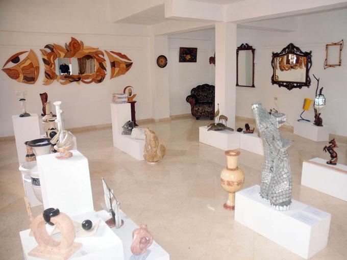 La exposición está compuesta por obras inéditas de 65 creadores granmenses/FOTO Luis Carlos Palacios