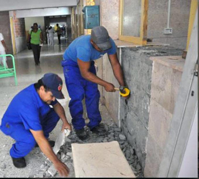 Ejecutan mantenimiento constructivo en 228 obras de la salud en Granma