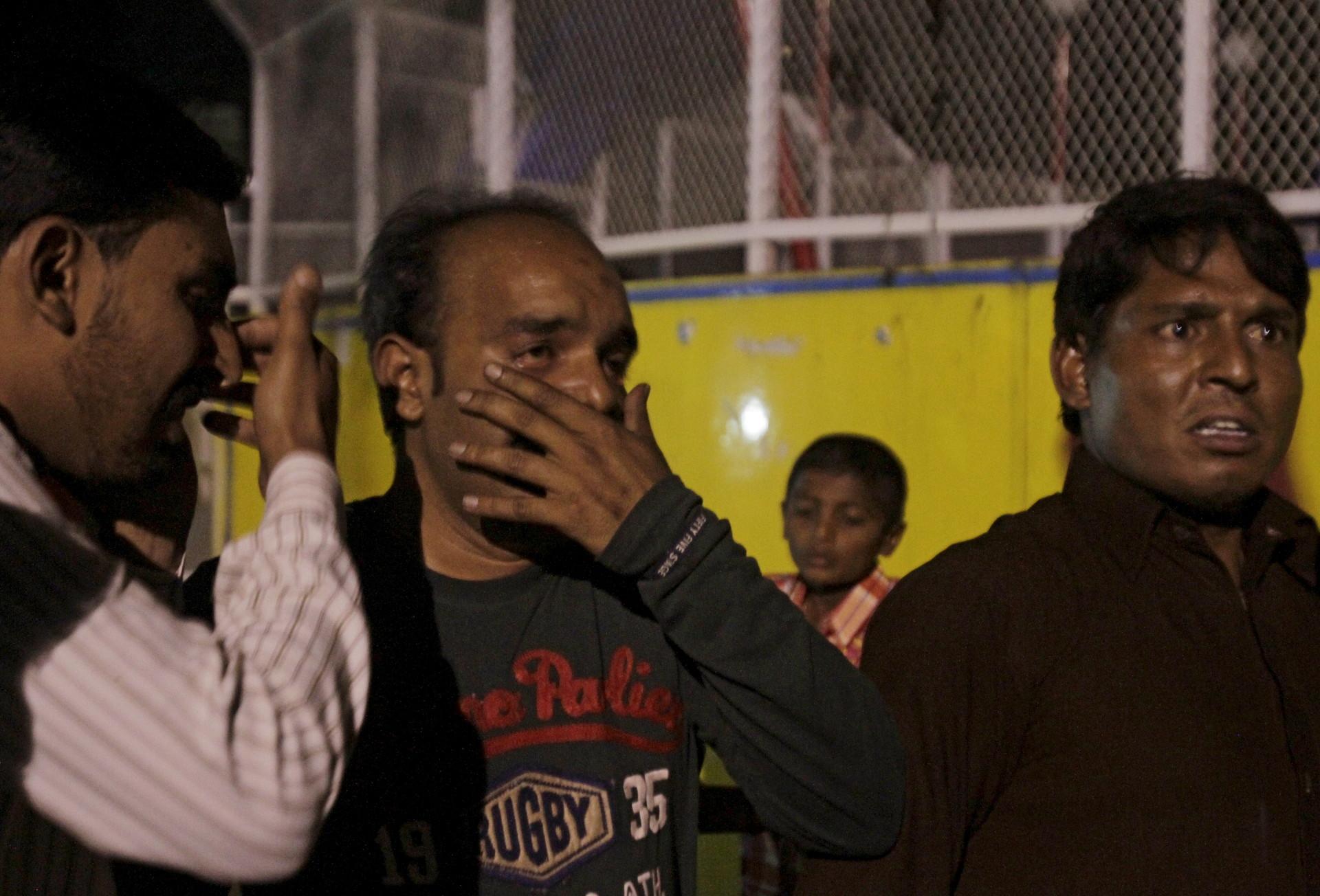 Un atentado suicida en un parque público en Pakistán deja más de 60 muertos y 300 heridos