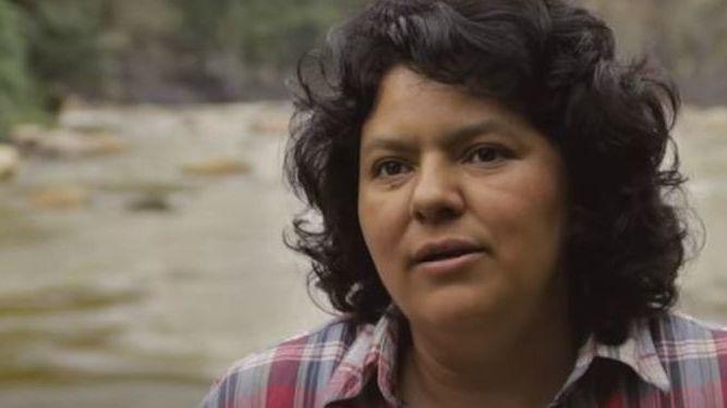 Asesinan a Berta Cáceres, dirigente ambientalista indígena hondureña