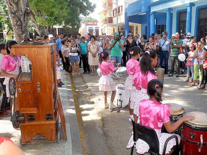 Grupos musicales protagonizan feria del patrimonio inmaterial en Bayamo