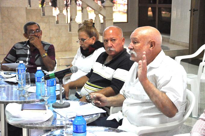 Debaten sobre compleja situación de las bibliotecas públicas cubanas