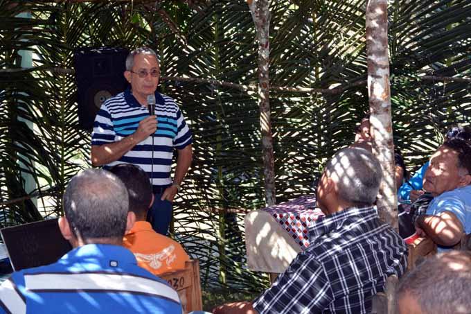 Intercambian científicos y productores en la Sierra Maestra