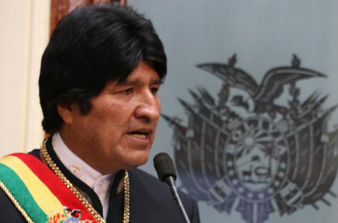 Bolivia seguirá creciendo económicamente, afirma Evo Morales
