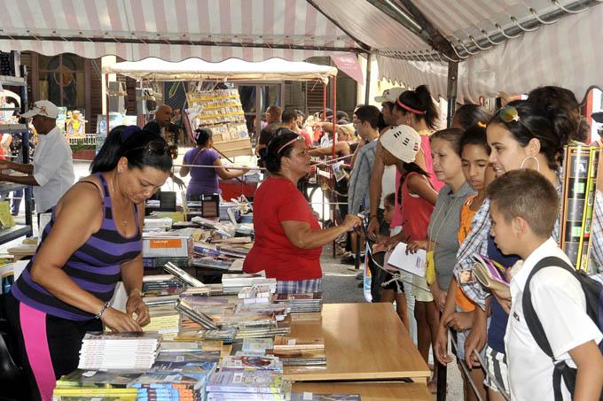 Feria del Libro Cuba 2016 comienza su periplo por todo el país