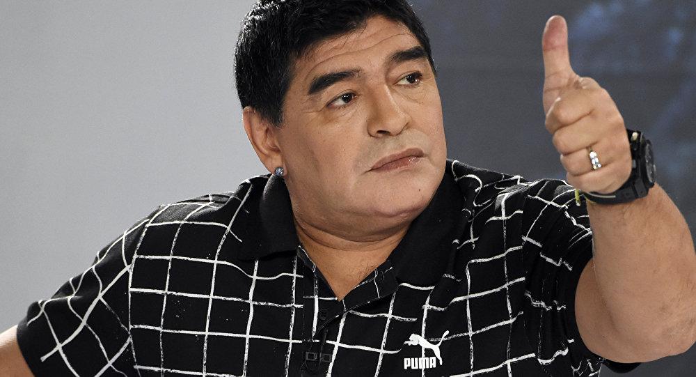 Maradona llamó traidor al nuevo jefe de la FIFA