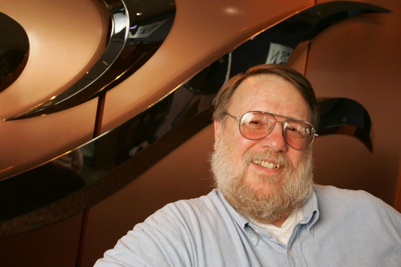 Muere Ray Tomlinson, creador del correo electrónico