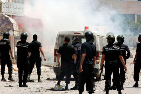 Túnez: 53 muertos en choques junto a frontera con Libia
