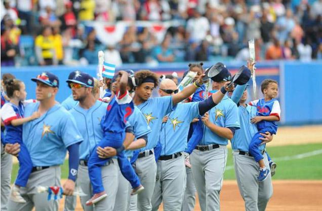 Tampa Bay Rays derrota a Cuba en histórico partido de béisbol