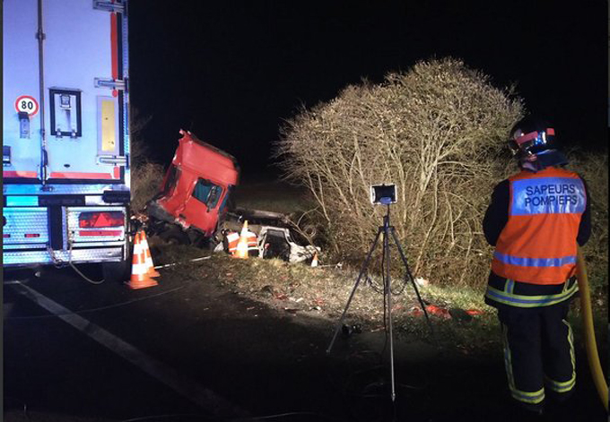 Al menos 12 muertos en accidente vial en el centro de Francia