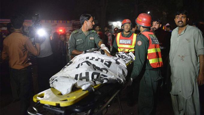 Ejército pakistaní lanza campaña antiterrorista tras mortífero ataque