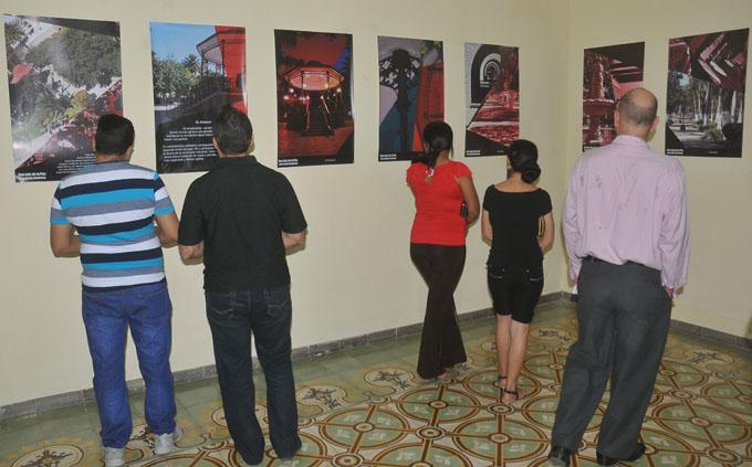 Exponen fotografías de San Luis de la Paz