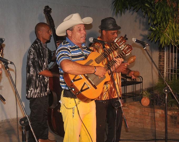 Premian canción tema de la campaña Fidel entre nosotros