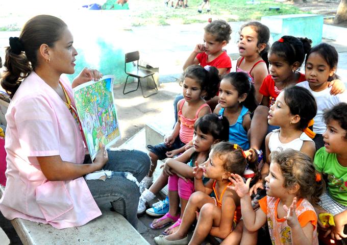 Festejan cumpleaños de los círculos infantiles