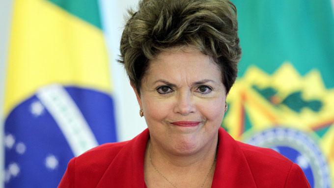 Comisión parlamentaria admite impeachment contra Presidenta de Brasil