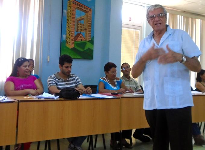 Académicos y especialistas exponen en Bayamo sobre riesgo y vulnerabilidades