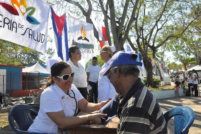 Realizan Feria de Salud en Bayamo