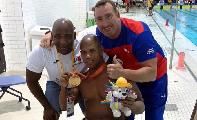 Oro para granmense Lorenzo Pérez en Abierto de natación en Brasil