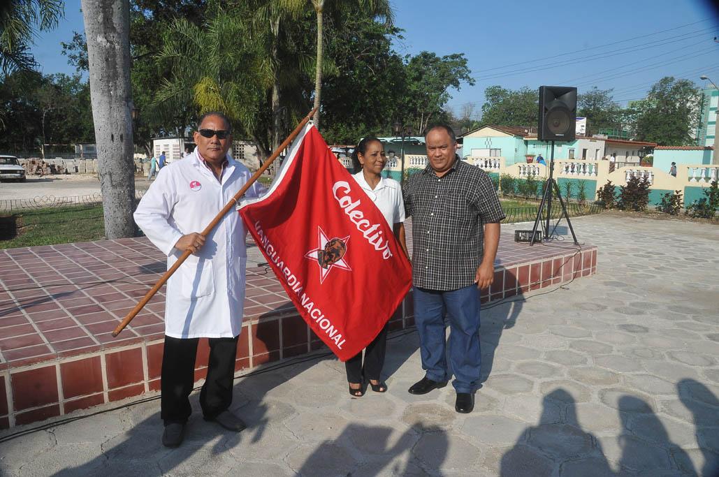Distinguen a Medicina del Deporte en Granma con la medalla Jesús Menéndez