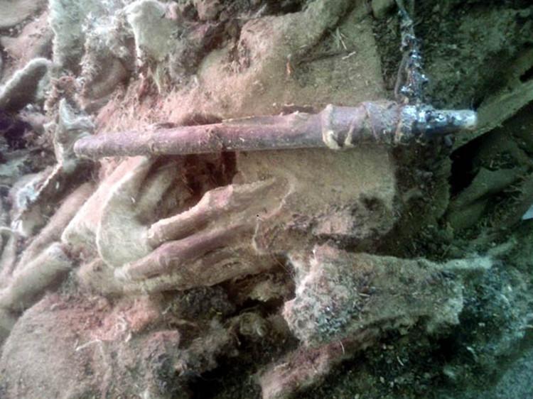 Encuentran una momia de 1.500 años vestida con ropa lujosa en Mongolia