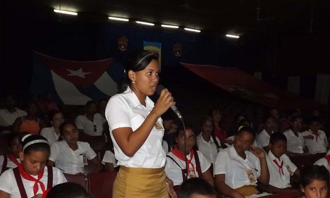 Dedican a Fidel debates pioneriles en Manzanillo