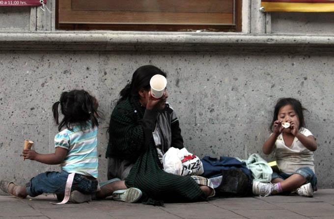 Enfrentan pobreza 21 millones de menores en México, afirma Unicef