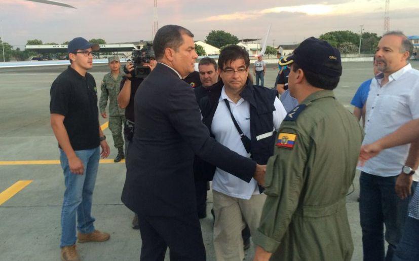 Correa regresa de urgencia a Ecuador por devastador sismo
