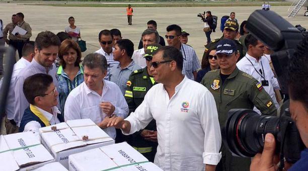 Santos y Rafael Correa, sismo Ecuador