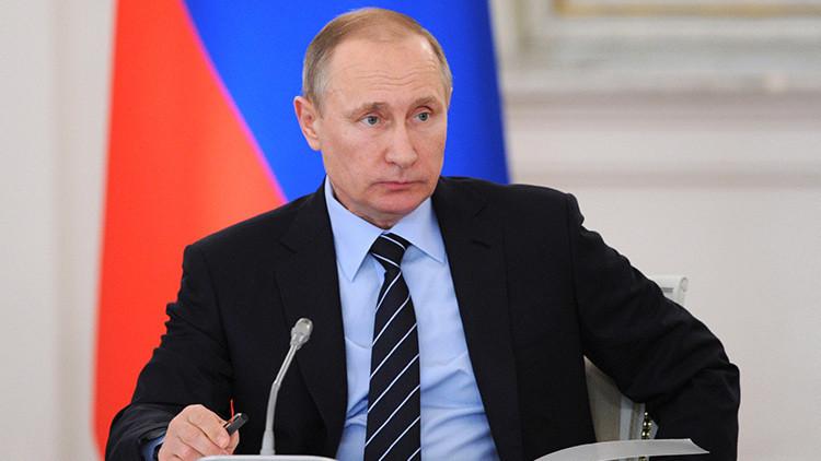 Putin exhorta a otros países a adherirse al tratado que prohíbe las pruebas nucleares