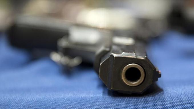 Un policía dispara a un niño de 13 años que portaba un arma de imitación en Estados Unidos