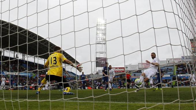 Benzema hace el 0-1. FOTO/ JESUS ALVAREZ ORIHUELA
