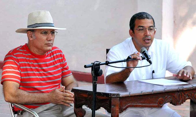 Los investigadores  Delio Orozco González y Miguel Antonio Muñoz López/ FOTO Luis Carlos Palacios