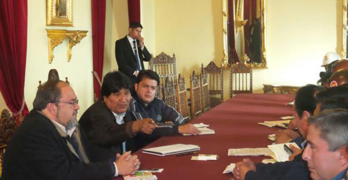Presidente boliviano anuncia incrementos salariales